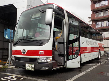 空港車1.JPG